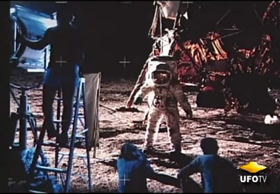 http://truthseekingdvds.com/_images/ebay/images-for-ebay/what-happened-on-the-moon3.jpg